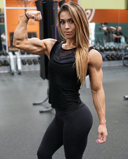 Casandra Martin Flexing